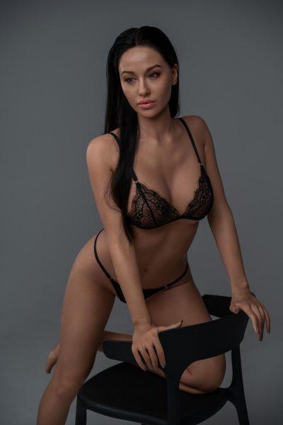Angelina Ultra Premium Silikon Sexpuppe